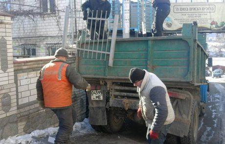 ראש העיר אומן הורס את גדרות הכהנים